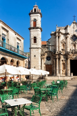 restaurant exterior: The Cathedral of Havana and the famous nearby square on a beautiful day Stock Photo