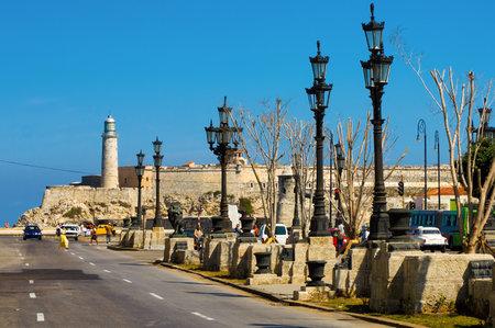 paseo: El Paseo del Prado, a famous street in Havana