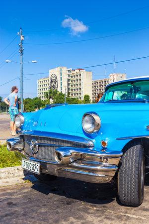che guevara: Classic Buick in the Revolution Square in Havana Editorial