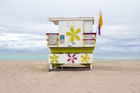 lifeguard tower: Lifeguard cabin at Miami Beach with an empty beach