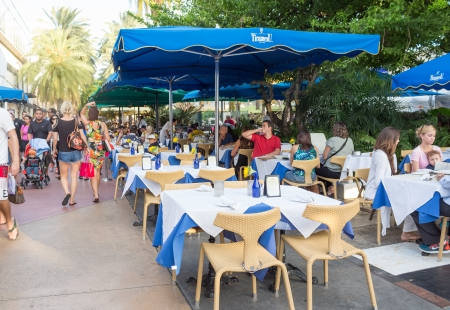 lincoln: Tourists at a restaurant in Lincoln Road, Miami Beach Editorial