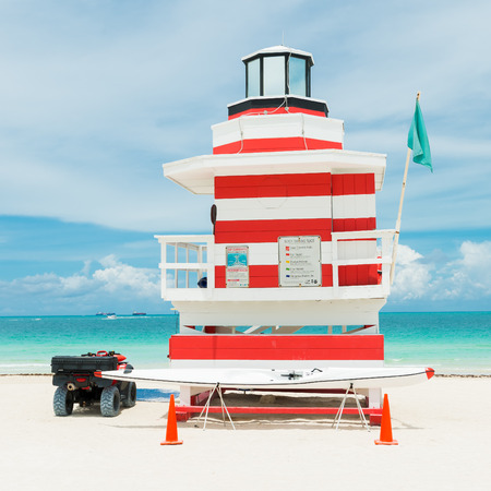 lifeguard tower: Colorful lifeguard tower in Miami Beach on a beautiful summer day