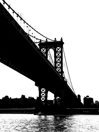 manhattan bridge: Silohuette of the Manhattan Bridge in New York