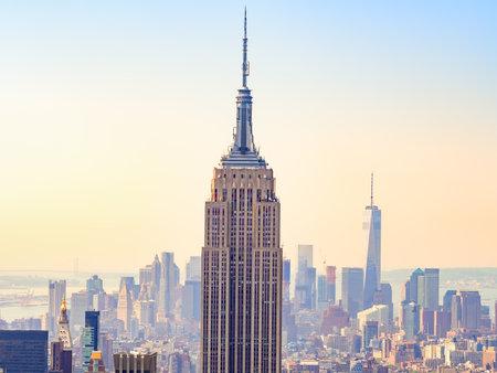 Puesta de sol sobre el Empire State Building y la Ciudad de Nueva York Editorial