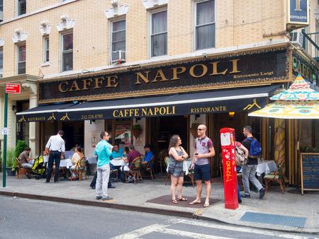 restaurante italiano: Restaurante italiano t�pico en Little Italy en Nueva York Foto de archivo