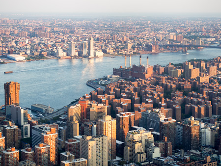 generating station: Aerial view of midtown New York  and the Con Edison East River generating station