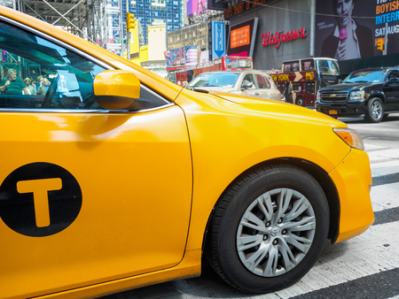 yellow cab: Yellow cab at Times Square in New York City