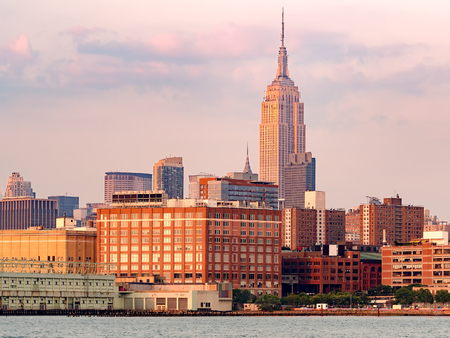 hudson: New York City at sunset seen from the Hudson river Stock Photo