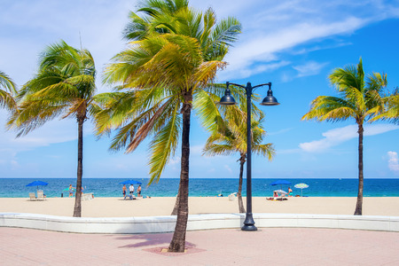 fort lauderdale: Fort Lauderdale beach in Florida on a beautiful summer day