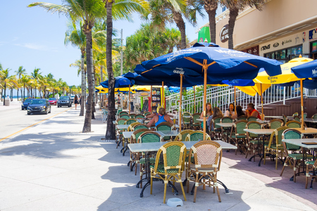 fort lauderdale: Outdoor cafe at Fort Lauderdale in Florida on a sunny summer day Editorial