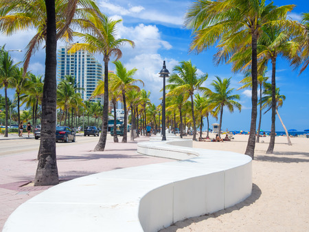 florida beach: The beach at Fort Lauderdale in Florida on a beautiful sumer day