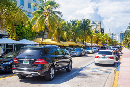 city traffic: Street scene at Ocean Drive in Miami Beach