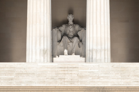 lincoln memorial: The Abraham Lincoln Statue at the Lincoln Memorial in Washington D.C. Editorial