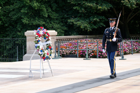 military cemetery: Ceremonial guard at the Tomb of the Unknown Soldier at Arlington National Cemetery Editorial