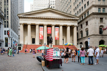 federal hall: Wall street and the Federal Hall in New Yorks Financial District