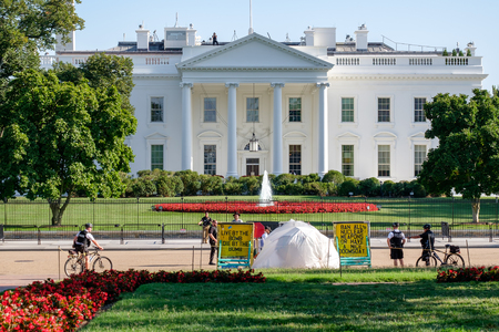 vigil: The White House Peace Vigil protesting against nuclear weapons proliferation in Washington D.C. Editorial