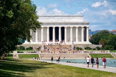 abraham: Tourists at the Lincoln Memorial in Washington D.C. Editorial