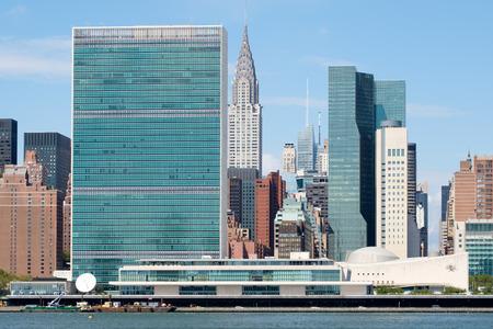 뉴욕 맨해튼 맨해튼의 유엔 본부 및 기타 여러 고층 건물 스톡 콘텐츠