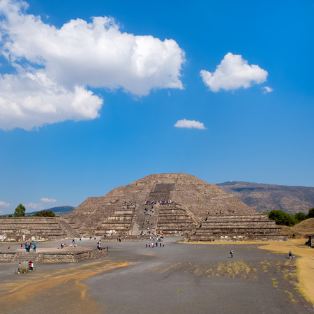 archaeological sites: The Pyramid of the Moon on a sunny day at Teotihuacan, a major archaeological site near Mexico City Stock Photo