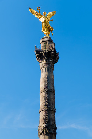 angel de la independencia: The Angel of Independence, a symbol of Mexico City Foto de archivo