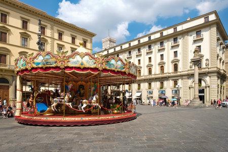 Tourists and locals at  Piazza della Repubblica in Florence