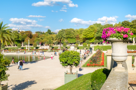 The Luxembourg Garden in Paris on a beautiful summer day Foto de archivo