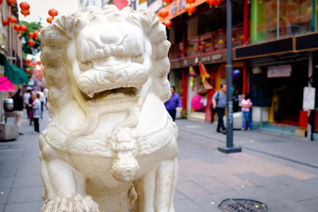 Guardians lions at Chinatown in Mexico City Редакционное