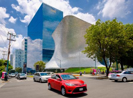 The modern Soumaya museum of art in Mexico City Редакционное