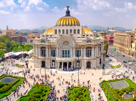 The Palace of Fine Arts in Mexico City - Aerial view with unrecognizable people Редакционное