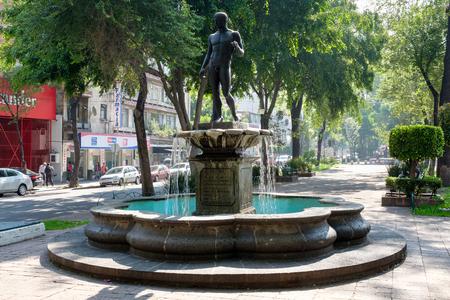 Alvaro Obregon avenue at the fashionable Roma Norte neighborhood in Mexico City Imagens - 112789639