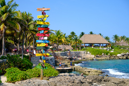 XCARET,MEXICO - APRIL 16,2019 : The XCaret park  on the Mayan Riviera in Mexico on a beautiful sunny day Banque d'images - 122152324