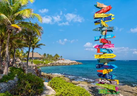 XCARET,MEXICO - APRIL 16,2019 : The XCaret park  on the Mayan Riviera in Mexico on a beautiful sunny day 新聞圖片