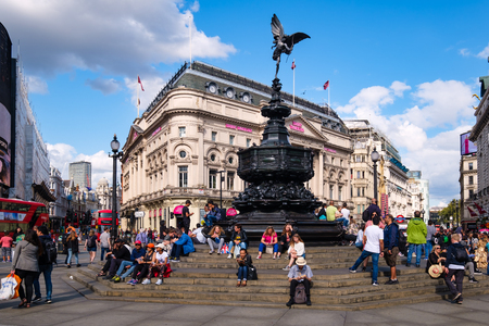 The statue of Eros at Piccadilly Circus in London Redakční