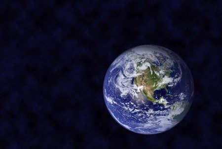 madre tierra: Tierra en el espacio, miles de estrellas en el fondo, no hay infracci�n del derecho de autor Foto de archivo