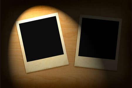 deux anciens cadres photo allumée dans l'obscurité