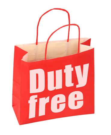 Rode papieren zak met belasting vrije teken op wit, foto geen inbreuk op auteursrecht