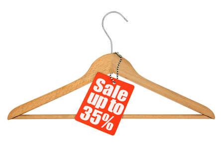 kleerhanger en verkoop tag op witte achtergrond Stockfoto