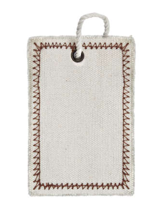 etiquetas de ropa: etiqueta vac�a sobre fondo de backgroundwhite de blanco puro