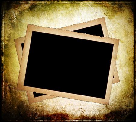 Twee oud papier frames met rafelige randen op vuile achtergrond