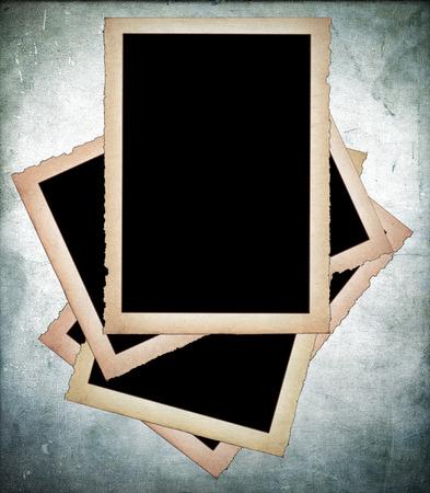 Oud papier frames met rafelige randen op vuile achtergrond