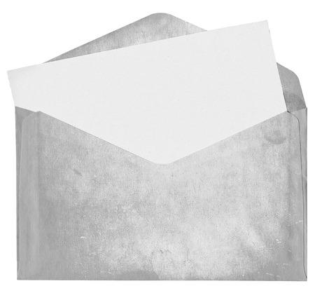 Dirty envelop met blanco kaart op een witte achtergrond Stockfoto