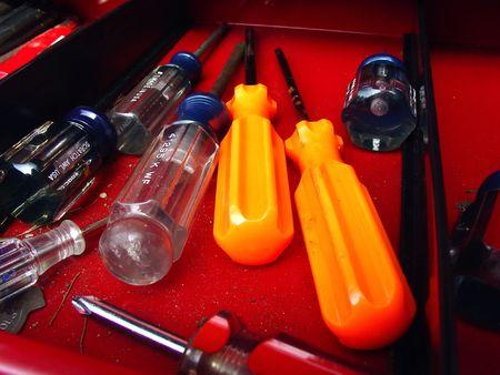 스크류 드라이버가있는 도구 상자 트레이 스톡 콘텐츠