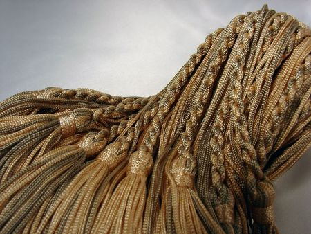 編みこみのタッセル