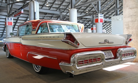turnpike: Concord, North Carolina - September 22, 2012:  A 1957 Mercury Turnpike Cruiser on display at the Charlotte AutoFair classic car show at Charlotte Motor Speedway, September 22, 2012. Editorial