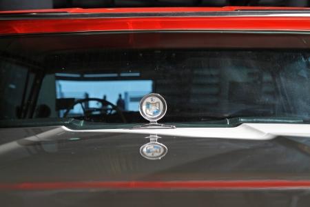 schlagbaum: Concord, North Carolina - 22. September 2012: Nahaufnahme eines 1957 Mercury Turnpike Cruiser auf dem Display an der Charlotte AutoFair classic car show at Charlotte Motor Speedway, 22. September 2012.