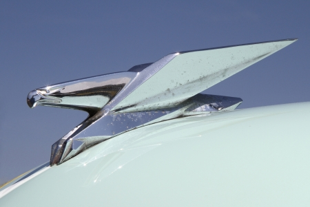 Concord, North Carolina - April 6, 2013:  Hood ornament of a 1951 Chrysler Imperial automobile on display at the Food Lion Auto Fair classic car show at Charlotte Motor Speedway in Concord, North Carolina. 新闻类图片