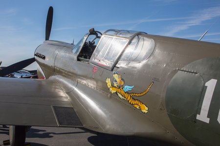 MONROE, NC - NOVEMBER 11, 2017:  A Curtiss P-40 Warhawk fighter aircraft on display at the Warbirds Over Monroe Air Show in Monroe, NC. 新闻类图片