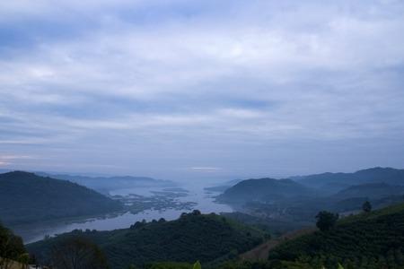 cours d eau: montagnes cours d'eau