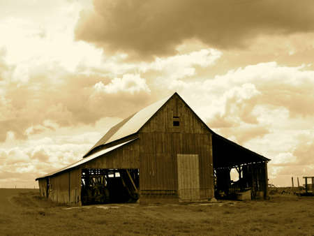 old barn: Old Barn  Farmers Pride