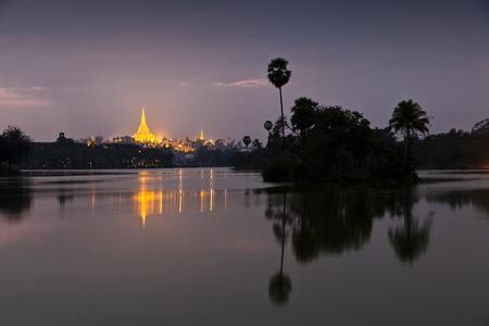 Swedagon Paya night lights photo